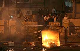 Haredi riots burning 6-27-09