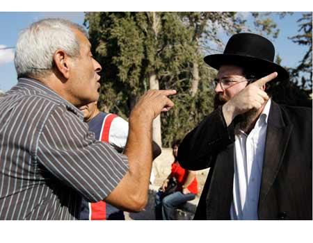Secular Haredi Argue Bet Shemesh 8-30-09