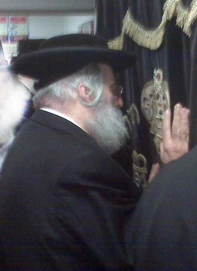 B M Lebovitz in Shomer Shabbos Shul 3a
