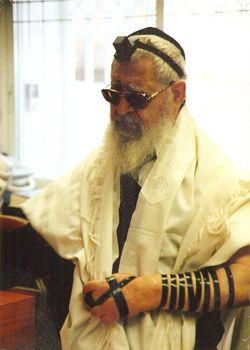 Rabbi Ovadia Yosef Tefillin