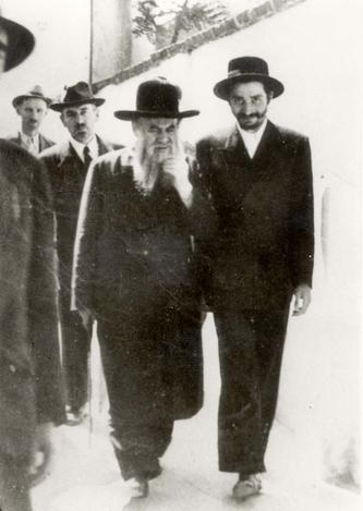 Piestany, Czechoslovakia, Rabbi Issachar Shlomo Teichtal, the Eim HaBanim Semeicha, with student