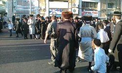 Haredim Shabbos Jerusalem Street Block