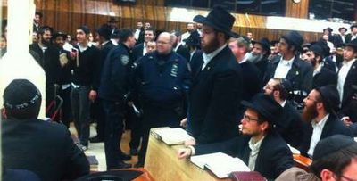 Police in 770 looking for attacker in yechidus brawl 2-7-2012