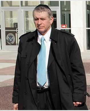 Rabbi David Avigdor outside federal court