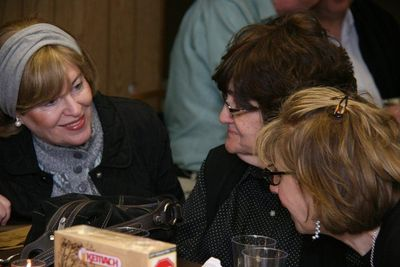 Voice of Justice model seder 3-2012 (woman in the middle is Novominsker Rebbe's wife)