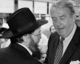 Charles Hynes and a haredi rabbi 1994