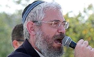 Rabbi Mordechai Elon mic