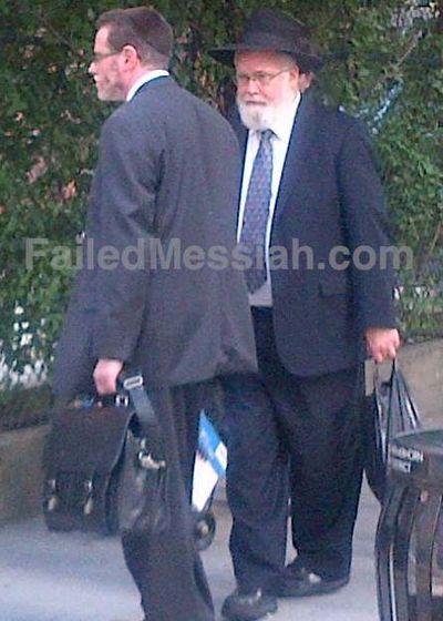 Rabbi Yehuda Kolko around the corner from criminal court in Brooklyn 6-21-2012 watermarked