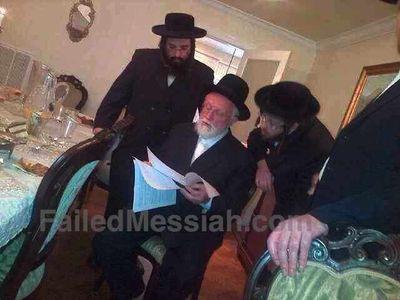 Mordechai Furhand reading $4 million dollar contract with Satmar -Zalman Leib Lakewood 2-6-2013 watermarked