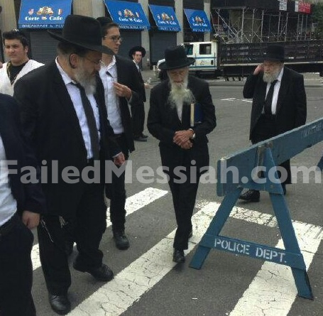 Rabbi Saul Kassin arrives at anti-Israel prostest Manhattan 6-9-2013
