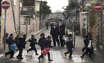 Haredi kids Mea Shearim to school 1-3-2012