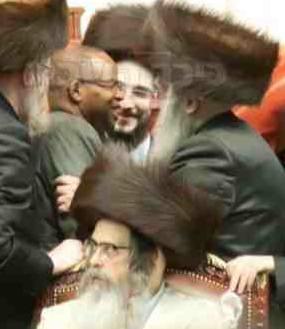 Ken Thompson Moshe Gabbai Friedman and Williamsburg Satmar Rebbe Zalman Teitelbaum 11-23-2013