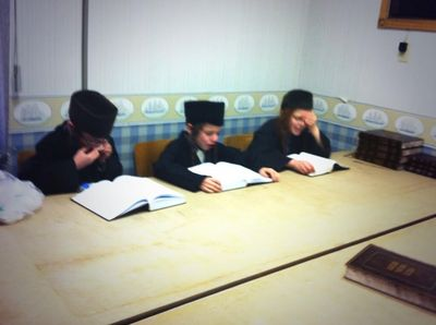 Lev Tahor students cry and study after teacher arrested 4-2-2014 Blackburn News