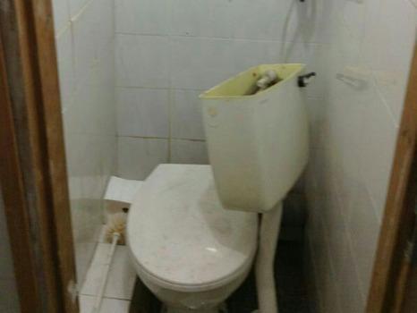 Haredi modesty squad vandalized toilet in Beit Shemesh synagogue 4-23-2014