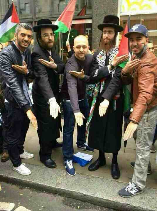 Picture Of The Day: Neturei Karta Members Doing Inverted ...
