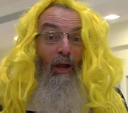 Rabbi David Stav women's blonde wig Purim video 3-2014