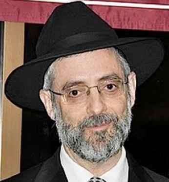 Rabbi David Zwiebel closeup