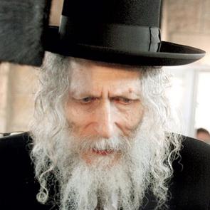 Rabbi Eliezer Berland closeup 23