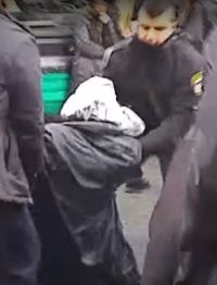 Police arrest haredi anti-draft protester Jerusalem 1-26-2016
