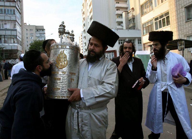 Hasidim in Uman near Rabbi Nachman's grave