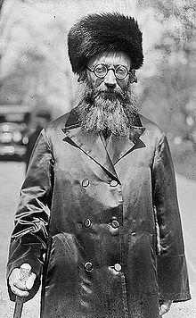 Rabbi-Abraham_Isaac_Kook_1924