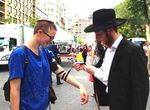 Chabad mistakenly puts tefillin on Baci Weiler, a gender-fluid woman 6-2015